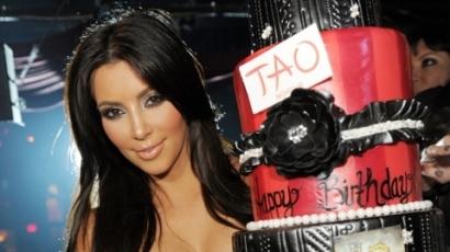Kim Kardashian újabb parfümöt ad ki