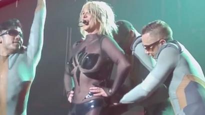 Kínos helyzetbe került fellépés közben Britney Spears