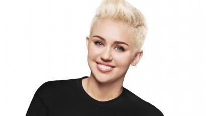 Kiscicát mentett Miley Cyrus
