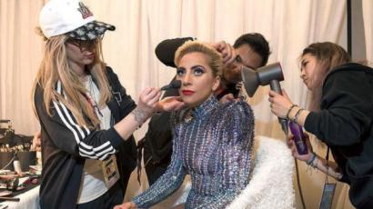 Kisebb vagyonba került a Lady Gaga által a Super Bowlon viselt smink