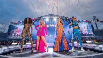 Kisétáltak a rajongók a Spice Girls koncertjéről
