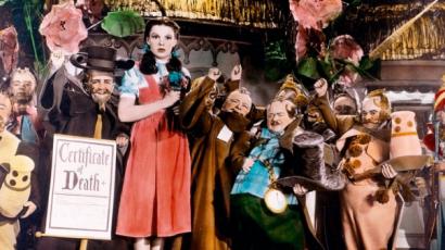Kitálalt Judy Garland néhai exférje: a színésznőt molesztálták kollégái az Óz, a csodák csodája forgatása alatt