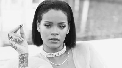 Klipforgatás közben mellet villantott Rihanna