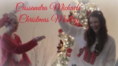 Klippremier: Cassandra Michaels – Christmas Medley