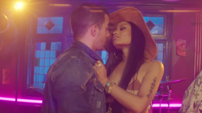 Klippremier: DNCE feat. Nicki Minaj – Kissing Strangers
