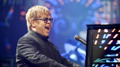 Klippremier: Elton John — Home Again