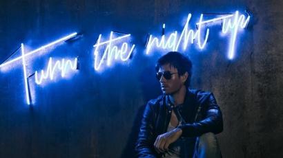 Klippremier: Enrique Iglesias – Turn The Night Up