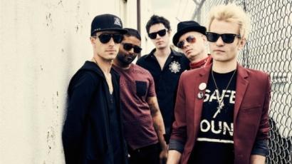 Az énekes küzdelméről szól a Sum 41 új dala – klippremier!