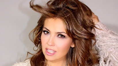 Klippremier: Thalía – Vuélveme a querer
