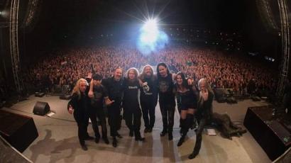Korábbi tagokkal lépett fel a Nightwish