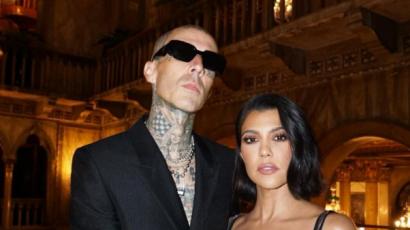 Kourtney Kardashian így győzte meg Travis Barkert arról, hogy újra érdemes repülőre szállnia