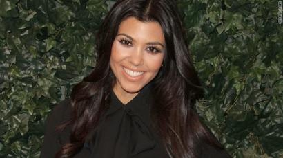 Kourtney Kardashian ismét anya lett