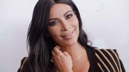 Közszemlére tette fedetlen melleit Kim Kardashian