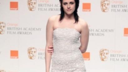 Kristen Stewart örül a hírnévnek