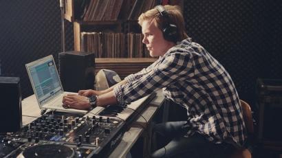 Különleges játékkal jelentik be Avicii következő kislemezét