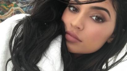 Kylie Jenner lerántotta a leplet szépségápolási rutinjairól