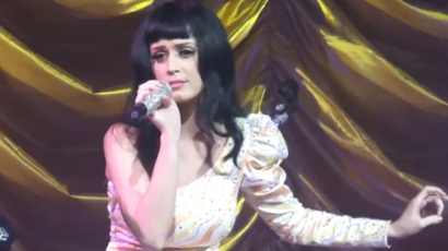 Katy Perry is elénekelte a Born This Wayt