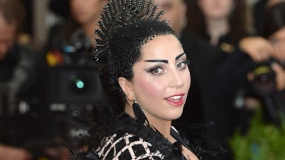 Hamarosan visszatér az extrém Lady Gaga