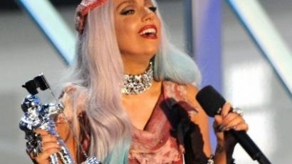 Lady Gaga magyarázkodik az állatvédőknek