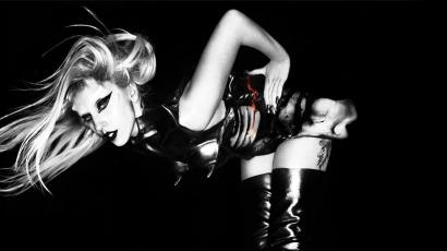Lady Gaga az éjszakához megy feleségül