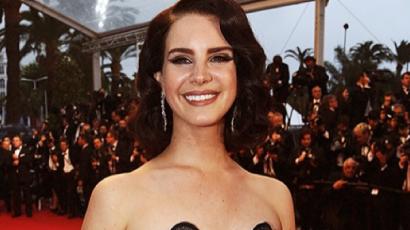 Lana Del Rey és Sean Larkin kapcsolata Instagram-hivatalossá vált