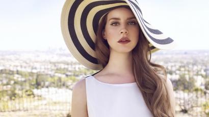 Lana Del Rey garázsában vert tanyát egy rajongó