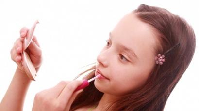A lányok szépségtrükkjei, amiket a pasik utálnak