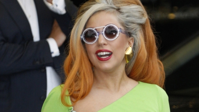 Leborotválta hajzuhatagának felét Lady Gaga