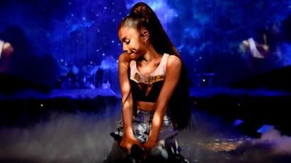 Lelkileg padlóra került Ariana Grande