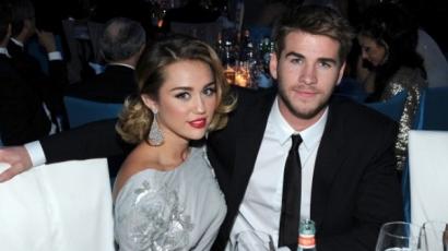 Liam Hemsworth megcáfolta a pletykákat: nem járnak jegyben Miley Cyrusszal