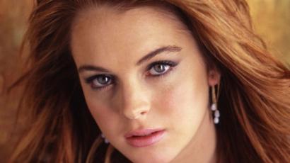 Lindsay Lohan eladta a ruháit