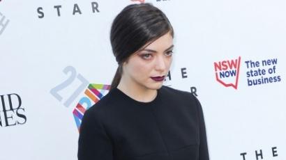 Lorde rútnak vallja magát