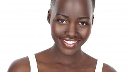 Lupita Nyong'o lett a Lancome új alapozójának arca