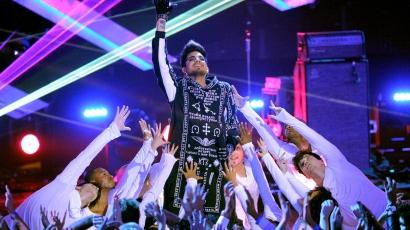 Madonna duettezni akar Adam Lamberttel