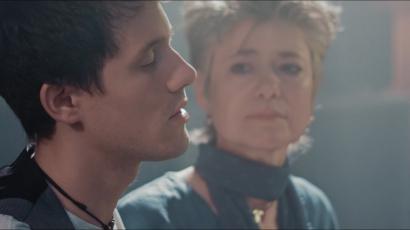 Anyukájával énekelt Kurt Hugo Schneider