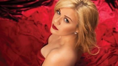 Második gyermekével várandós Kelly Clarkson