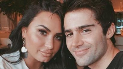 Max Ehrich azt állítja, bulvárlapból tudta meg, hogy ő és Demi Lovato szakított