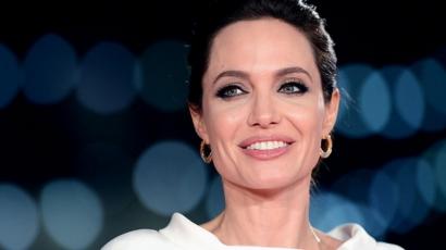 Megdöbbentő: Angelina Jolie hónapokig küzdött a rákkal