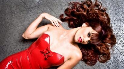 Jessica Sutta is önálló klippel jelentkezett