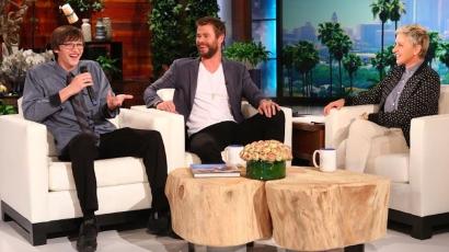 Megható: Így mondott köszönetet Chris Hemsworth az elhagyott pénztárcáját visszajuttató tininek