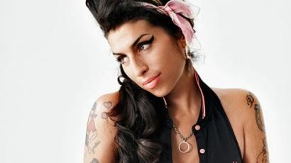 Megjelent Amy Winehouse új kollekciója