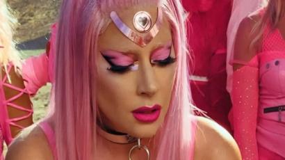 Megjelent Lady Gaga új száma, a Stupid Love!