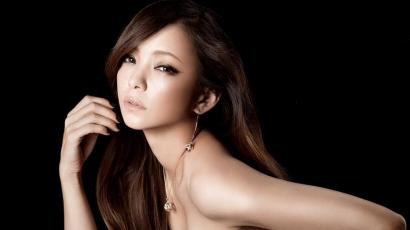 Új kislemezzel jelentkezett Namie Amuro