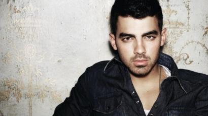 Meglepő változás: így még nem láttad Joe Jonast!