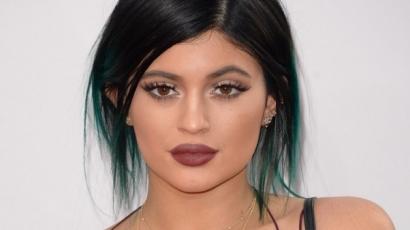 Megműttette melleit Kylie Jenner?