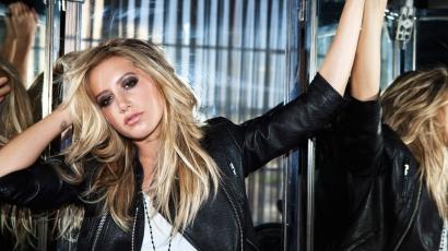 Megszállott rajongóval gyűlt meg Ashley Tisdale baja