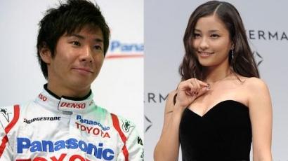 Autóversenyzővel randizik Meisa Kuroki