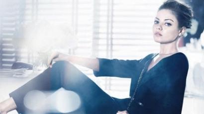 Mila Kunis a Dior színeiben