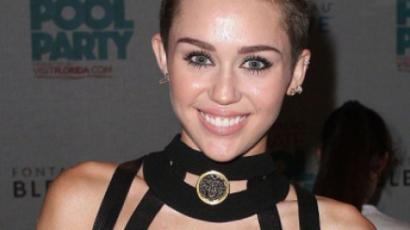 Miley Cyrus a Bahamákon nyaral