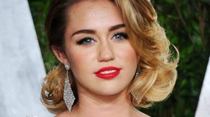 Miley Cyrus féltékeny Jennifer Lawrence-re